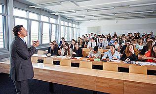 Ecole-hoteliere-de-Lausanne_Lausanne-hospitality-management-school_small-auditorium.jpg